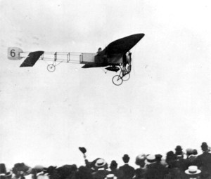Belgium aviation pioneer Jan Olieslagers in action during the flying meet at Utrecht on August 24, 1910. His flights were recorded on film.