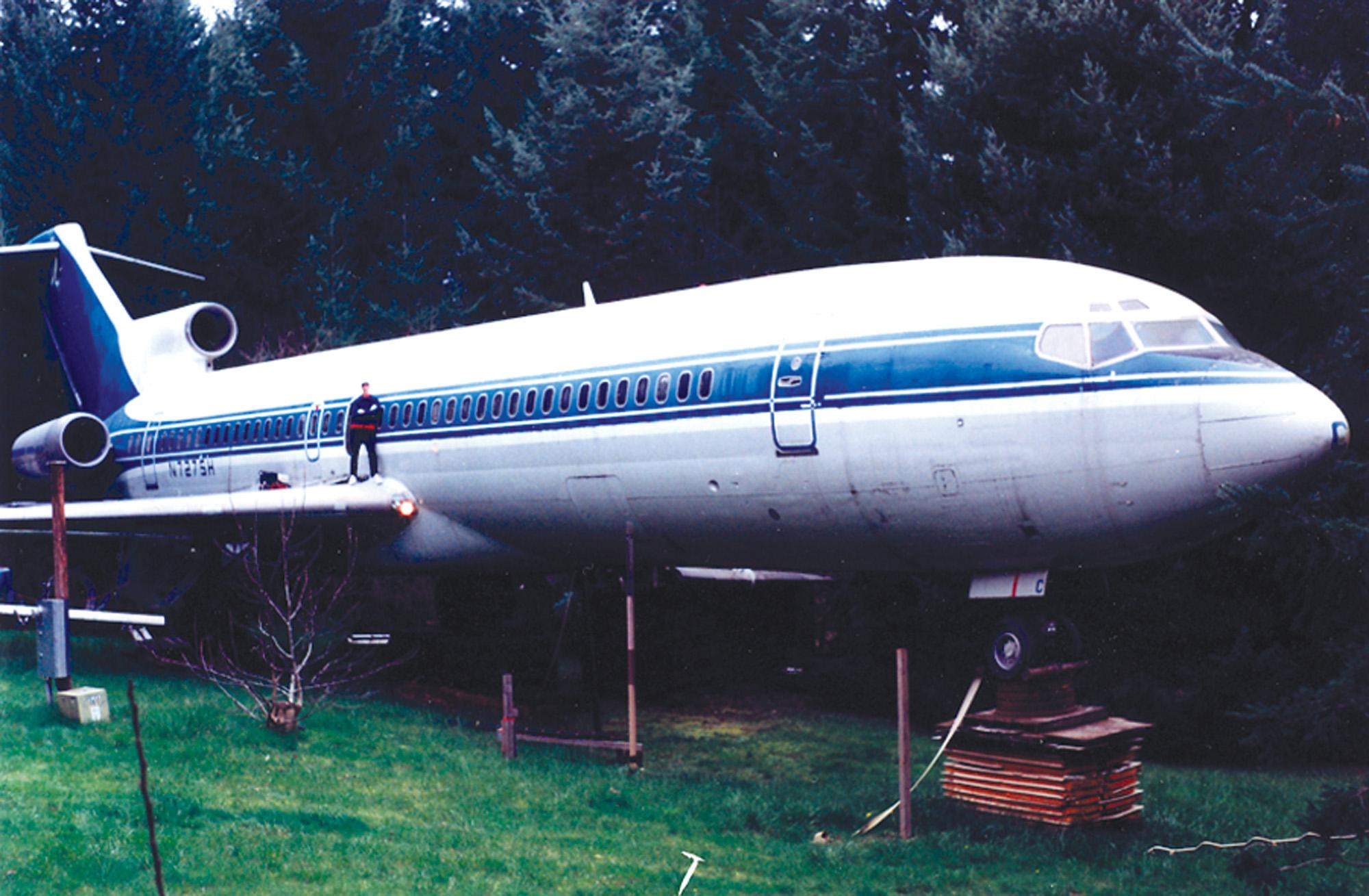 on Boeing 727 Model Airplane