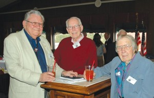 L to R: Ed Mehlin (2004 OX-5 Aviation Pioneers Hall of Fame enshrinee), Bob Williams and Norm Meyer catch up at a pre-lunch reception.