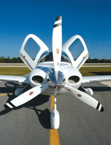 The advance aerodynamics of the composite airframe combined with a 310-hp, high-performance engine makes the SR22-G2 the fastest airplane in its class.
