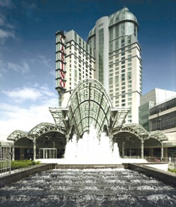 The grandiose Fallsview Casino has attracted everybody from the Hilton company to Tony Bennett in building the region's first great resort complex.