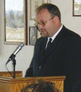 Reverend Jakabffy opening the ceremonies.