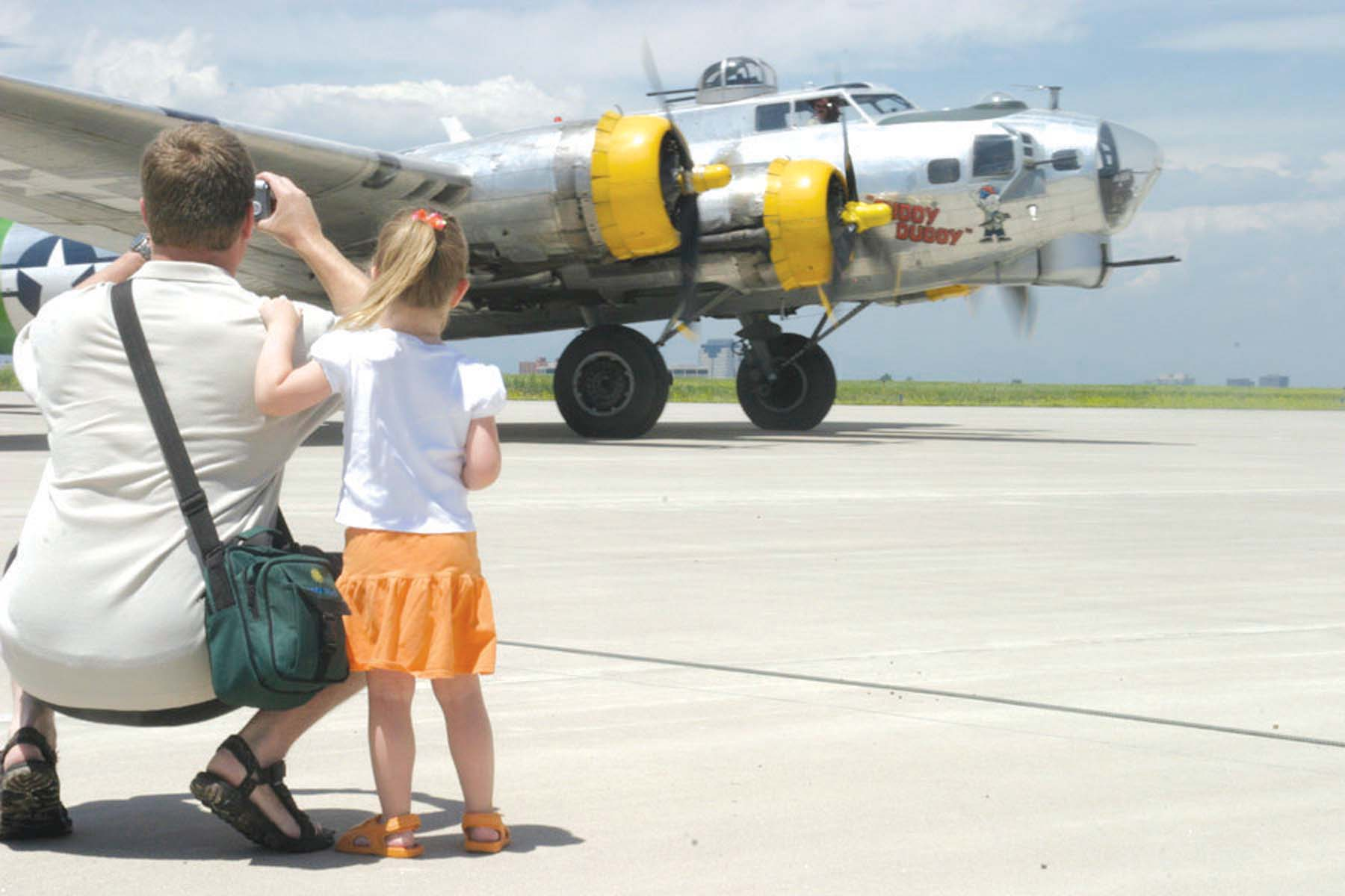 "EAA's B-17 ""Allied Victory Tour"" Salutes the 60th Anniversary of end of WWII"