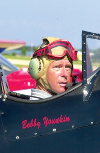 Bobby Younkin, pictured here at EAA AirVenture 2004, received the World Airshow News Bill Barber Award for Showmanship.