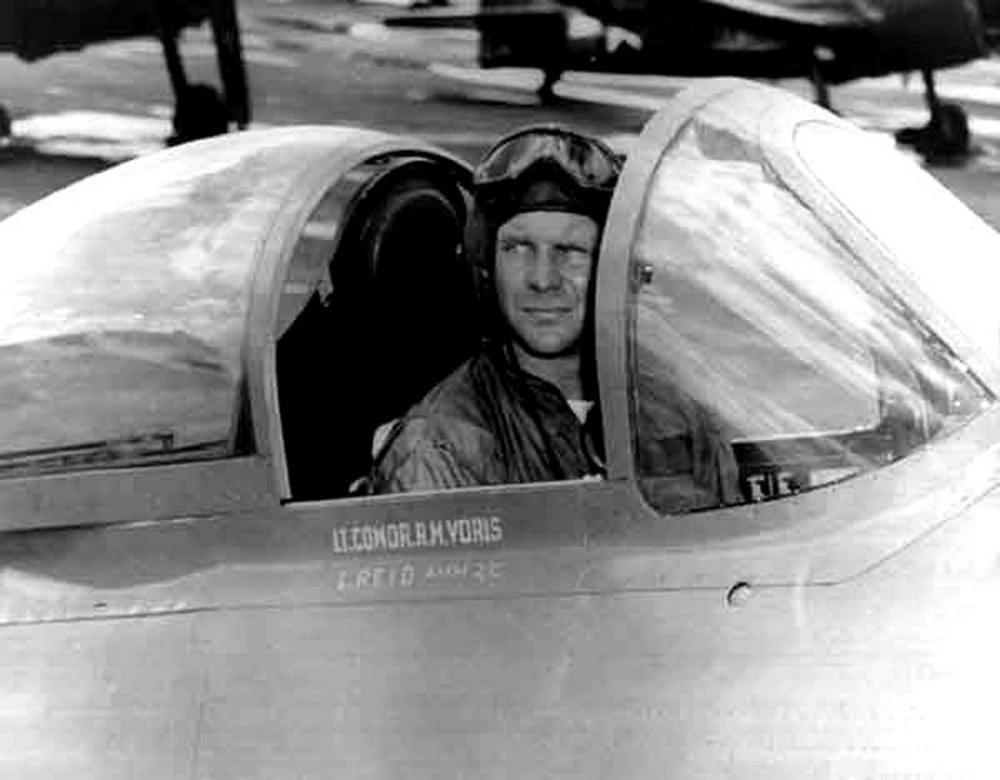 """Former Blue Angels Leader Roy """"Butch"""" Voris Dies in California"""
