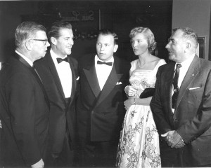 L to R: Bill Lear, actor Bob Cummings, Bill Lear Jr. and former wife Yola Lear, and Paul Mantz dine at the Beverly Hills Hotel in 1957.