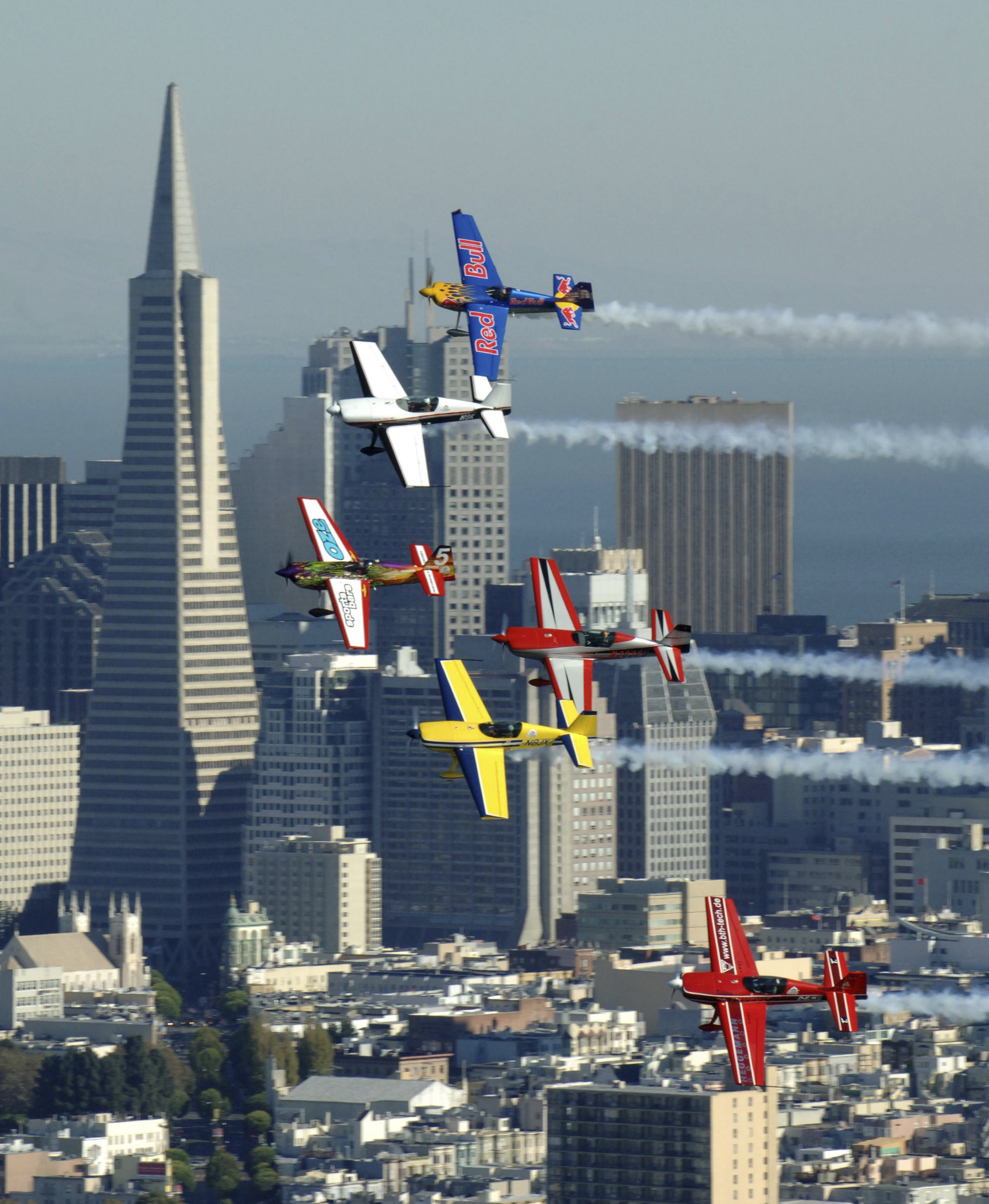American Mike Mangold Dominates 2005 Red Bull Air Races