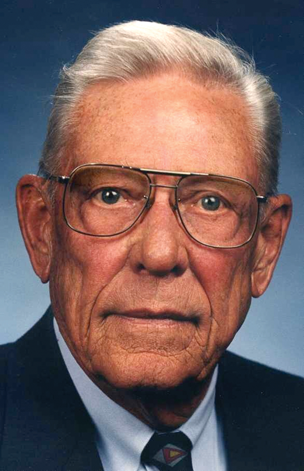 Herb Elliott, Retired Chairman and Co-founder of Elliott Aviation, Dies at 90