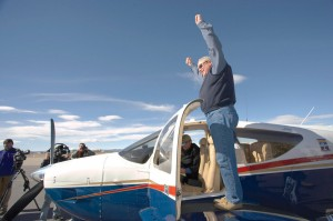 Robert Melnick couldn't believe his luck when he found out he had won AOPA's grand prize in the organization's Commander Countdown Sweepstakes for 2005. AOPA President Phil Boyer presented the refurbished 1974 Commander 112A to him at the Denver jetCenter