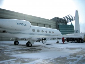 Denver jetCenter fuels the G-450 at the Phantom Hangar.