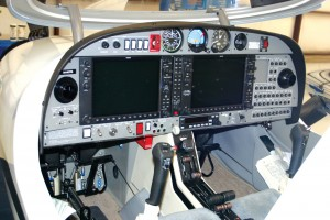 Diamond D-42 glass cockpit