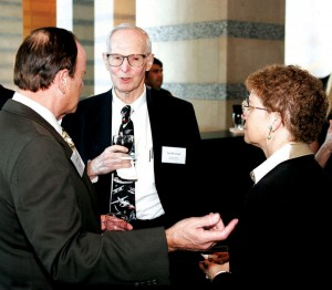 Paul MacCready (center), 1982 Lindbergh Award winner and chairman of AeroVironment, Inc., visits with John and Martha King of King Schools.