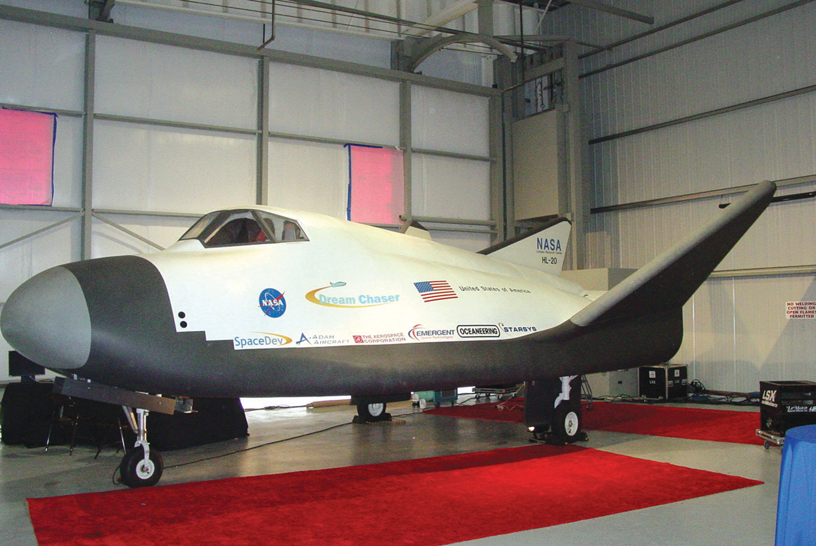 SpaceDev Unveils Dream Chaser at Centennial