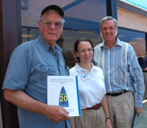 L to R: Dick Rutan, ASAA President Kristin Hill and Burt Rutan visit following lunch at Mojave Airport.