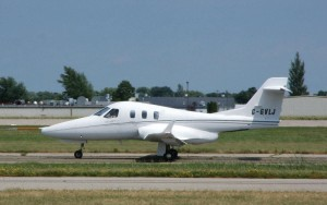 Diamond's D-Jet taxies out for a brief flyby before heading back to Canada for continued testing.