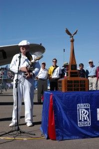 Frank R. Schelling accepts the NAHI 2006 Grand Champion trophy.