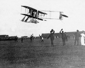 Cal Rodgers takes off from Sheepshead Bay, N.Y., on the afternoon of Sept. 17, 1911.