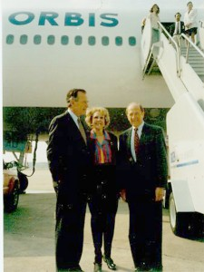 Al Ueltschi visits with former President George Bush and Eleanor McCollum outside the Flying Eye Hospital.