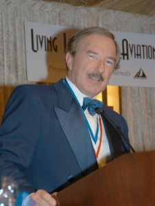 Steven F. Udvar-Hazy, founder and CEO of International Lease Finance Corp. and the 2005 award recipient, presented the 2006 Lifetime Aviation Entrepreneur award to A.L. Ueltschi.