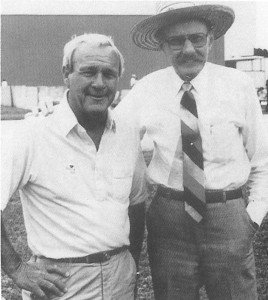 Bob Hoover (right) with fellow pilot Arnold Palmer.