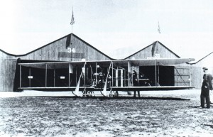 A Wright B sits on the Nassau Boulevard flight line. By 1913, the field was too small and the land too valuable, so flying activity moved to the larger Hempstead Plains field.