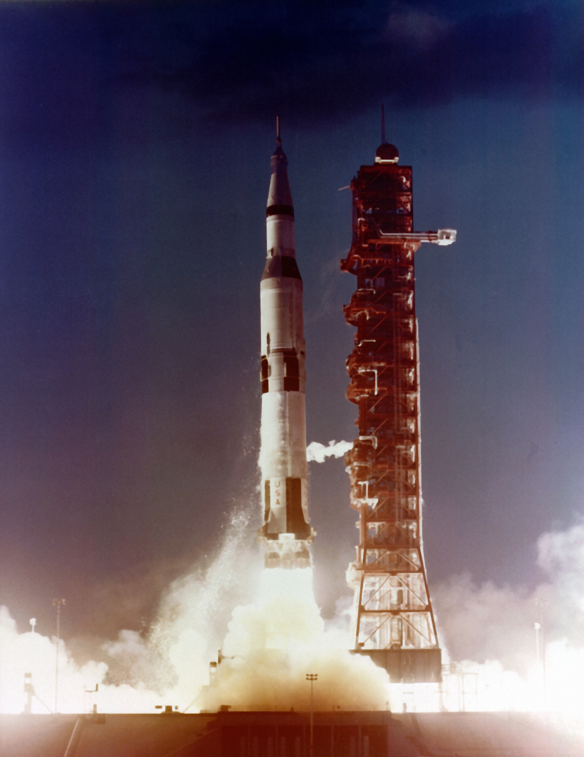 apollo spacecraft plugs out test 1967 - photo #31