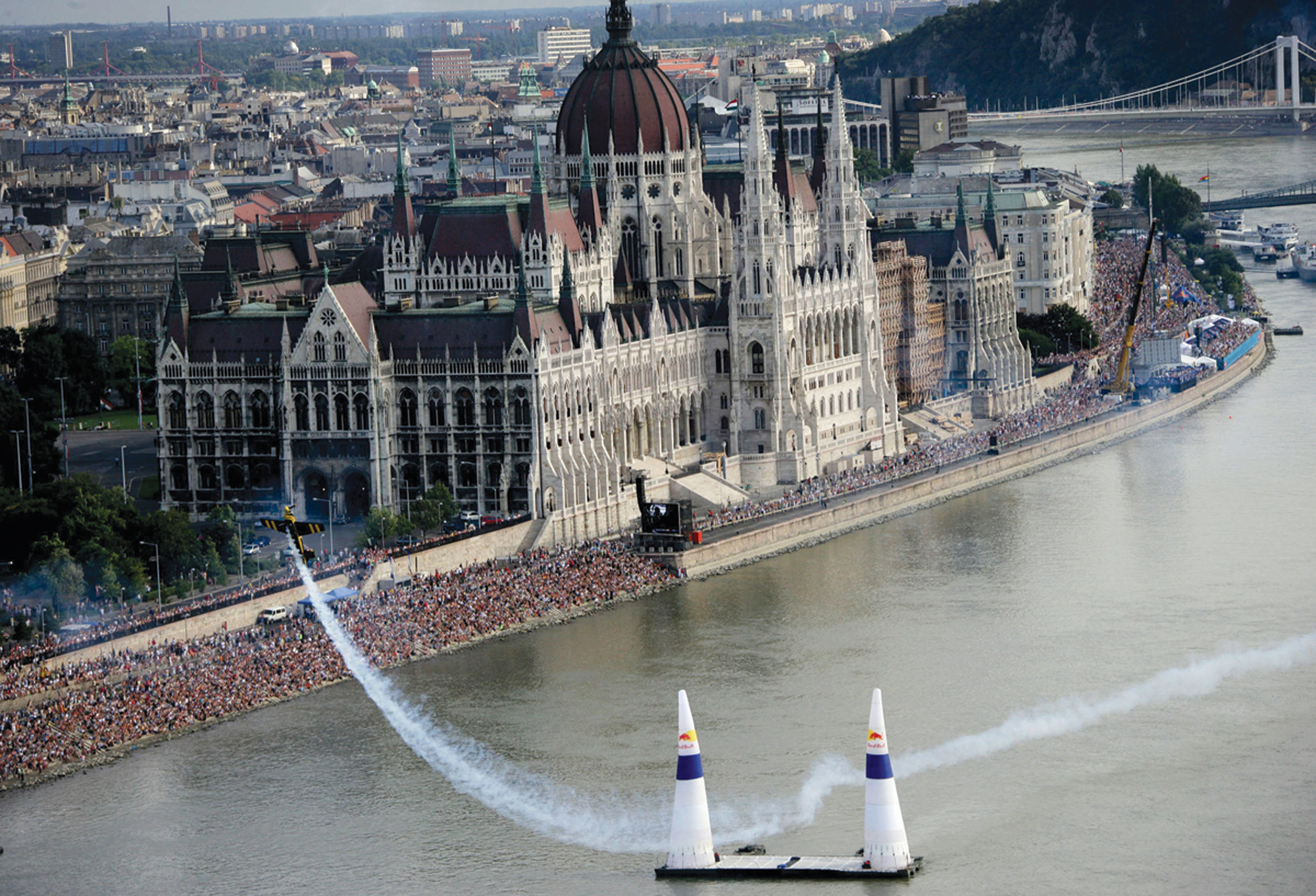 Red Bull Air Race World Series Lands Two Exotic U.S. Stops in 2007