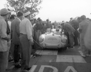 Jaroslav Juhan starts at Tuxtla Gutierrez in the 1954 race.