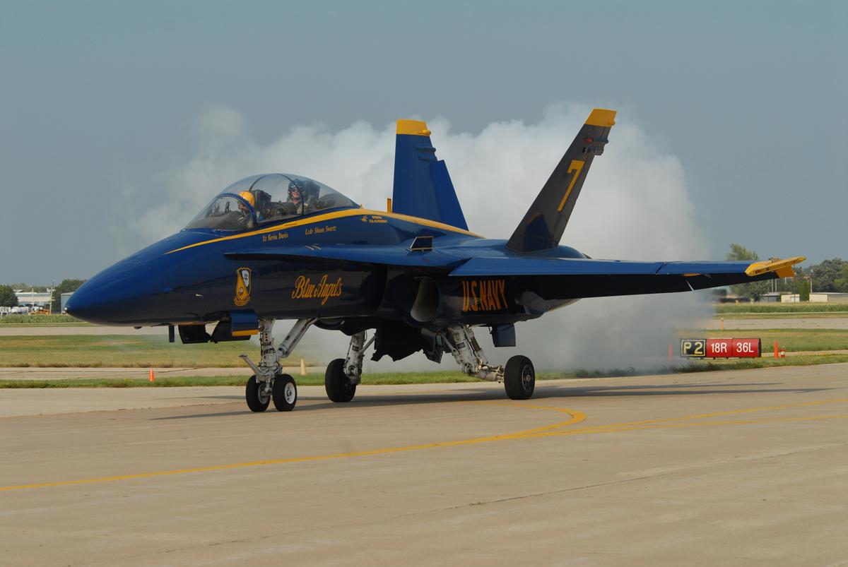 teammates mourn fallen blue angels pilot kevin davis | airport journals