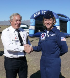 Bill Stansbeary, pilot and Airport Journals photographer, congratulates Maj. Samantha Weeks, U.S. Air Force Thunderbird 6, on her first air show performance of the season at Luke Days Air Show 2007 at Luke Air Force Base, Ariz.