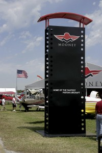 On April 6, the Acclaim set a new cross-country speed record. The aircraft is the latest of Mooney's three current production models.