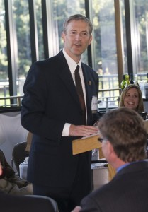 Erik Lindbergh, chairman of the board and grandson of Charles and Anne Morrow Lindbergh, welcomed guests during dinner at the 2007 Lindbergh Award Celebration.