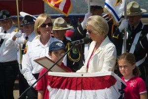 "San Diego County Supervisor Diane Jacob (right) presents a proclamation to Kate Dargan, California State fire marshal, declaring June 23, 2007 ""Ramona Air Attack Base Day."""