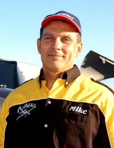 American pilot Mike Mangold, of Team Cobra, finished fifth in the San Diego Race, moving him back into second place.