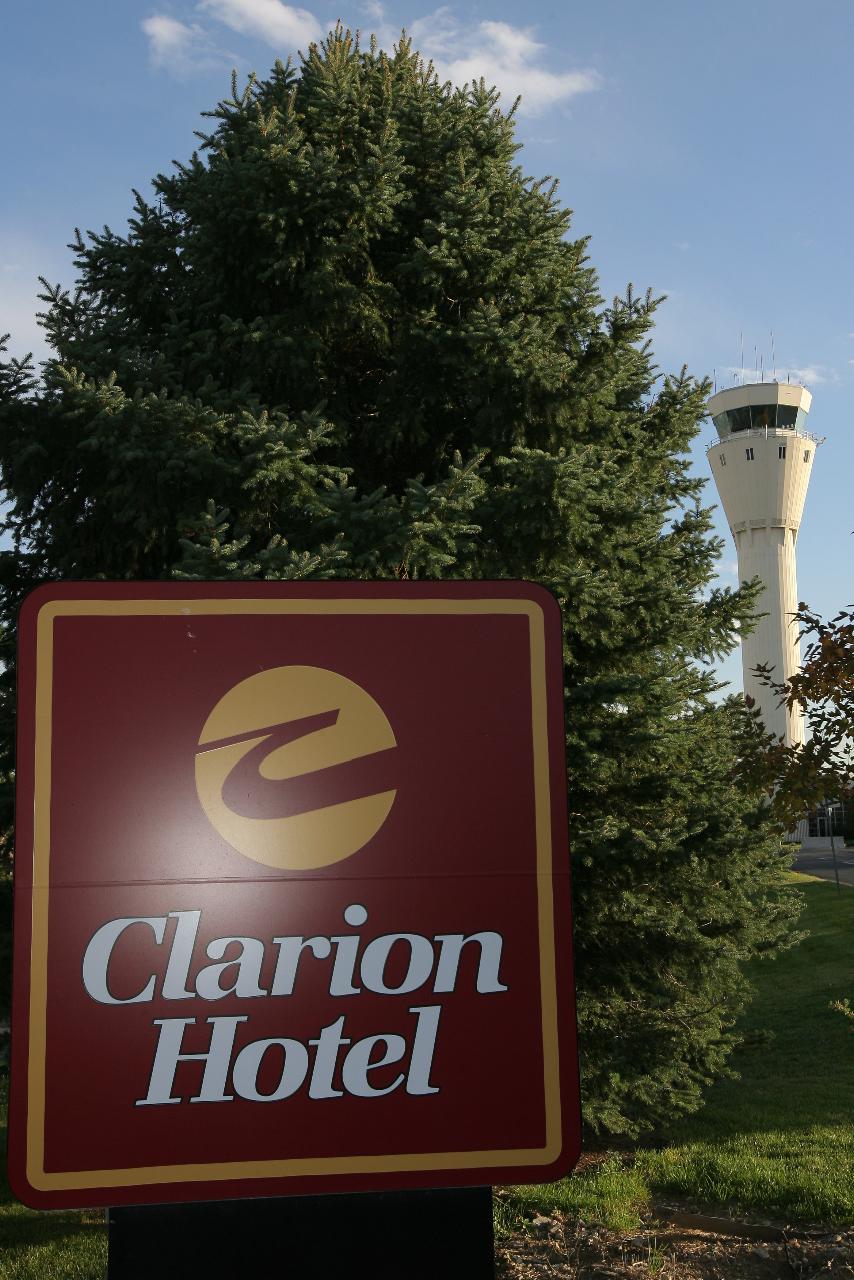 Clarion Hotel Denver South