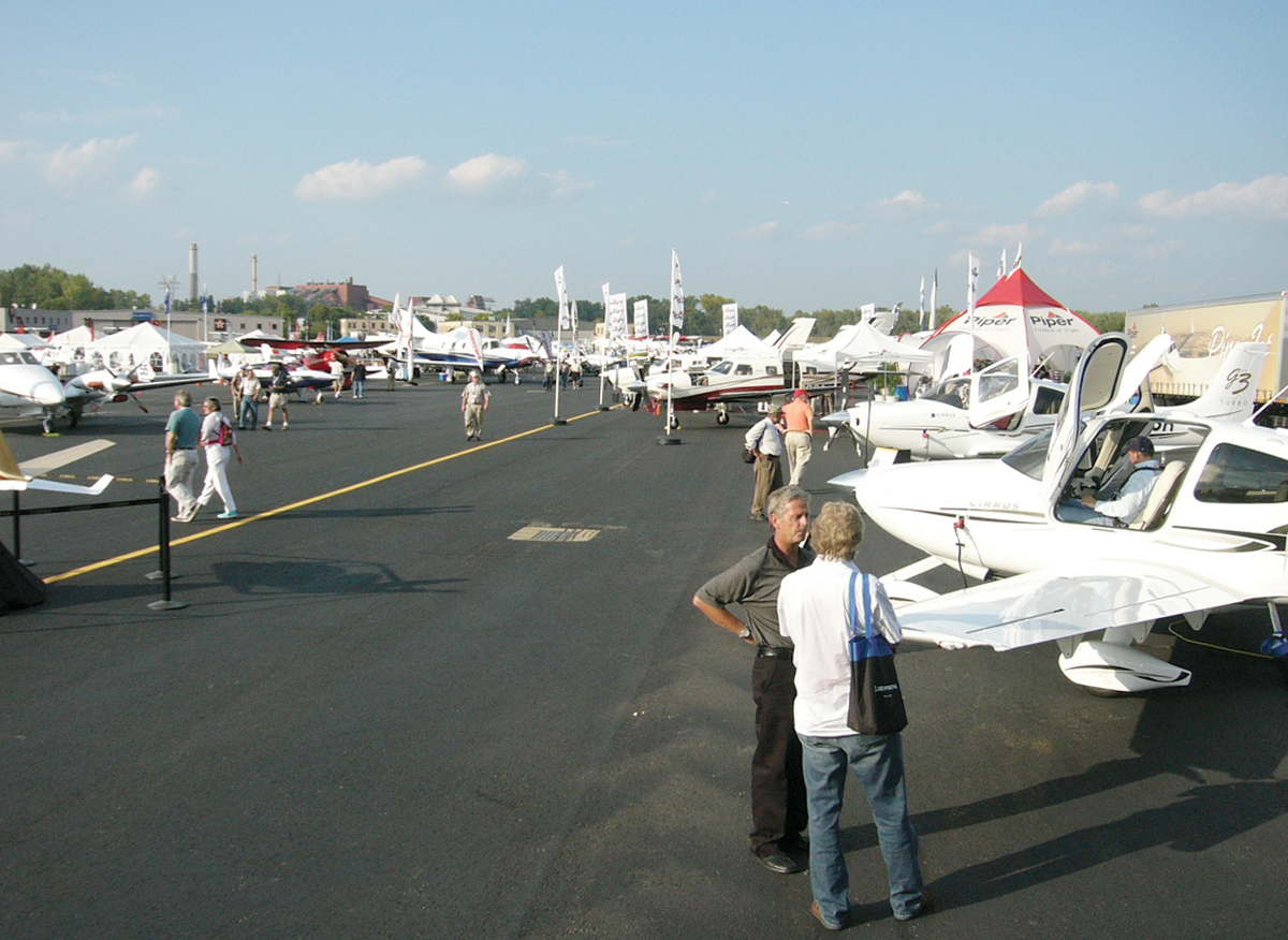 AOPA Expo's First Visit to Hartford Sets Attendance Record