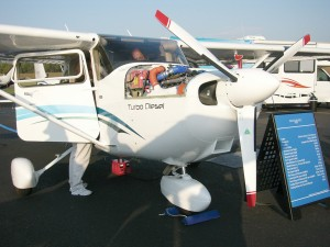 The Cessna Skyhawk goes diesel with a Thielert engine.