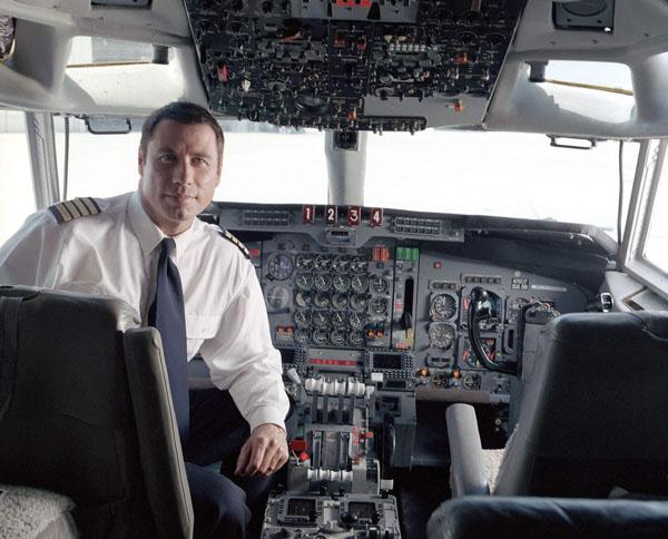 Картинки по запросу John Travolta pilot Qantas 747