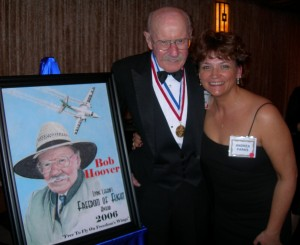 Bob Hoover with portrait artist Andrea Parks, 4th annual Living Legends of Aviation.
