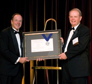 John King presents the 2008 Corporate Award for Balance to Jim Jacoby of The Jacoby Group.