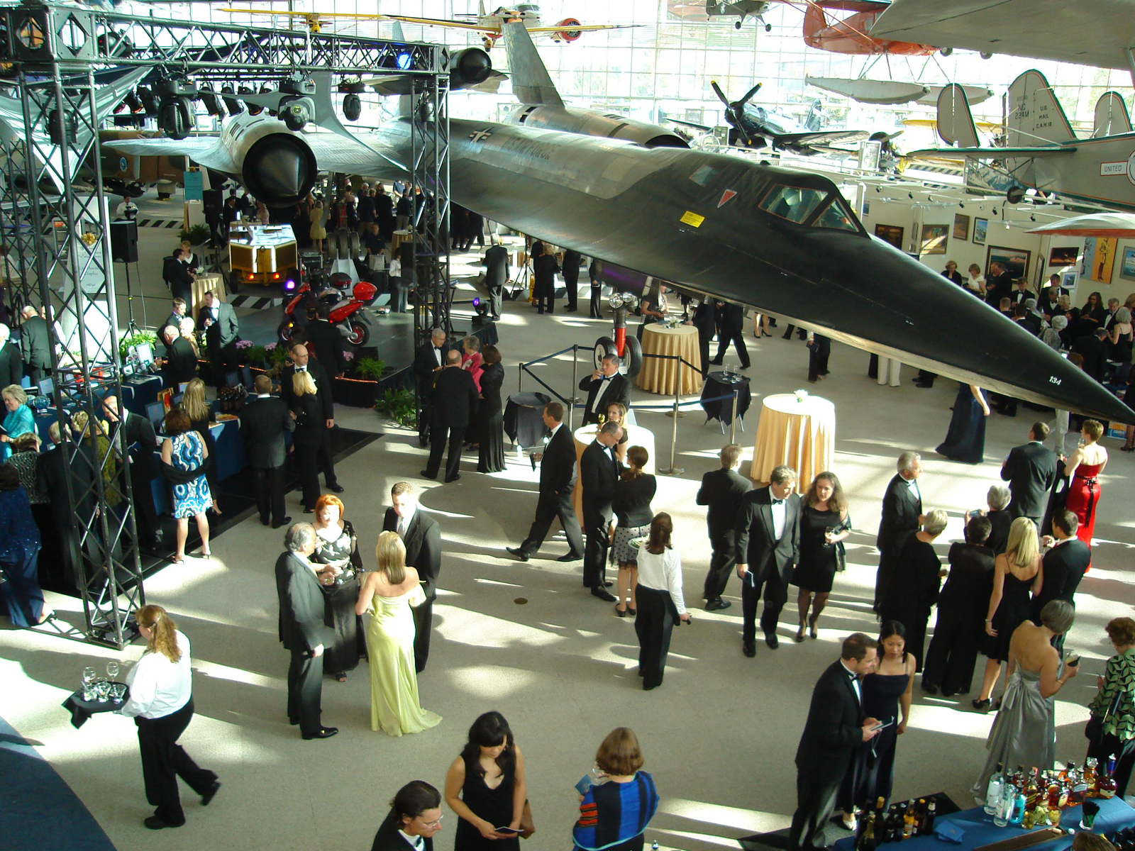 Museum of Flight Raises More Than $1.6 million at its Annual Gala for Education