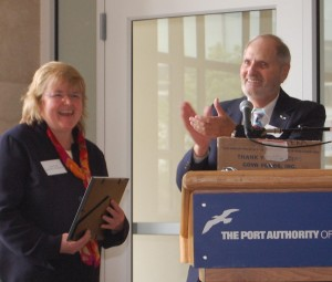 Linda Scully, one of only eight master certified flight instructors in New Jersey, receives a 2008 MAAC recognition award.