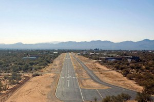 La Cholla Airpark's narrow runway nestles in cactus-studded desert like an Old West ranch.
