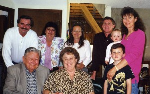 Ed and Kati Mehlin celebrated Easter 2000 at Jim & Erin Whelan's house shortly after finding out that Kati had terminal lung cancer. Top row: Wayne and Lark Applehans, Shawn Coble, Jim and Erin Whelan and Anna Whelan; bottom: Eddie, Kati and Ryan Whelan.