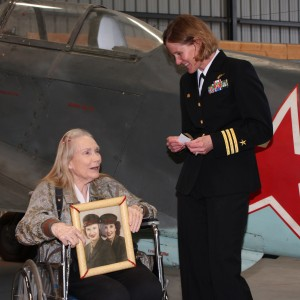 Left to right: Lori Hurdman USMC (ret.) and Commander Valerie Overstreet exchanging war stories.