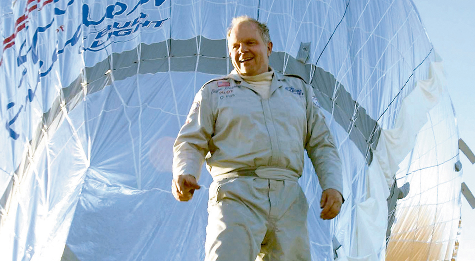 """""""Living Legends of Aviation"""" in 2003, Steve Fossett  Took His Last Flight West on Sept.3 2007, This was his last interview."""